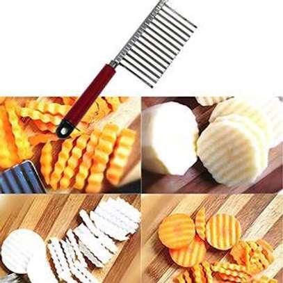 Potatoes chip shaper image 1
