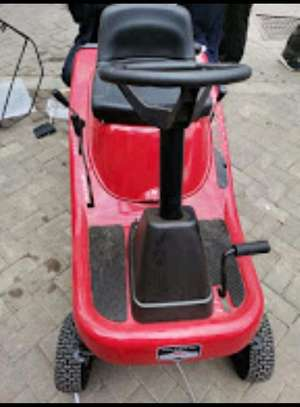 Brand new ride on lawn mower