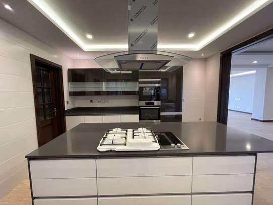 4 bedroom apartment for rent in General Mathenge image 8