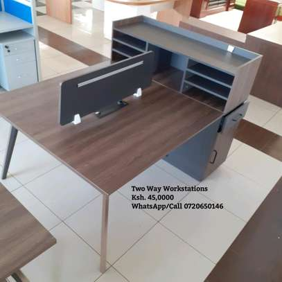 Two way workstation