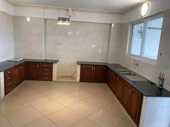 Very spacious 4 Bedroom sea view apartments to let at nyali Mombasa Kenya image 2