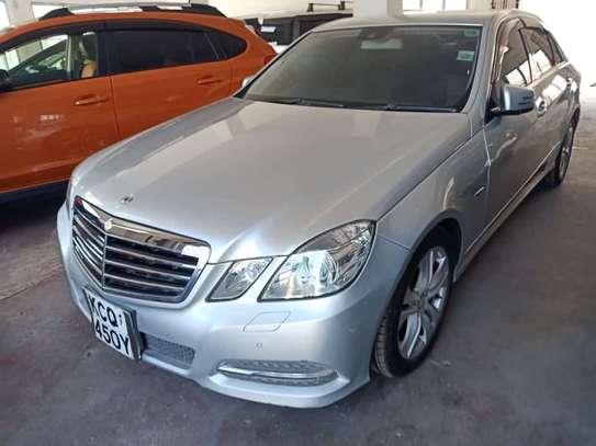 Mercedes-Benz E350 image 3