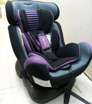 Baby carseat 8.5 dd image 1
