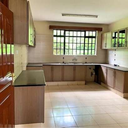 5 bedroom townhouse for rent in Rosslyn image 5