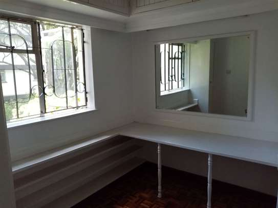 State House - Flat & Apartment image 6