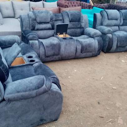 7 seater recliner 3,2,1,1 image 1