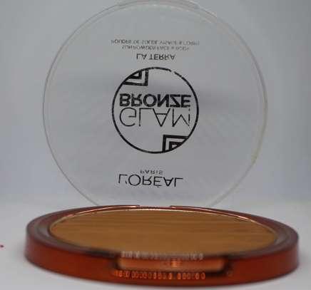 L'Oreal Glam Bronze La Terra Sunpowder Face Body image 2