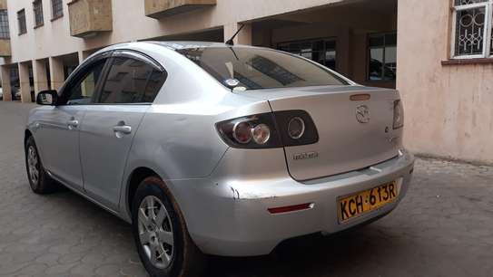 Mazda Axela image 3