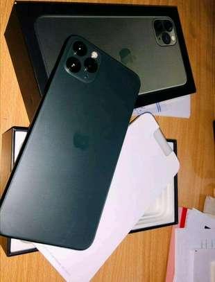 512GB Apple iPhone 11 Pro Midnight Green image 3