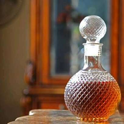 Whiskey decanter image 1