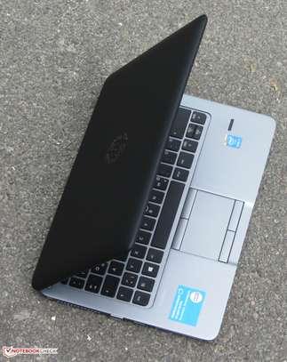 """HP EliteBook 840 G2 - 4 GB RAM - Core i7-5300U / 2.3 GHz - 500 GB HDD - 14 """" image 6"""