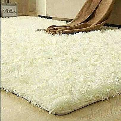 PREMIUM 5*8 FLUFFY CARPET image 2