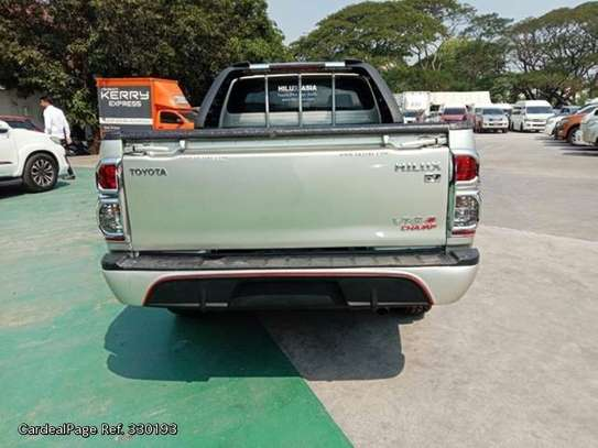Toyota Hilux image 4