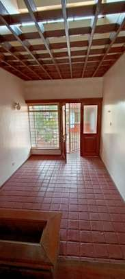 5 bedroom house for rent in North Muthaiga image 15