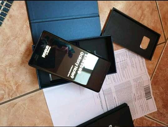 Samsung Galaxy Note 9 512 Gigabytes & Wireless Earphones image 1