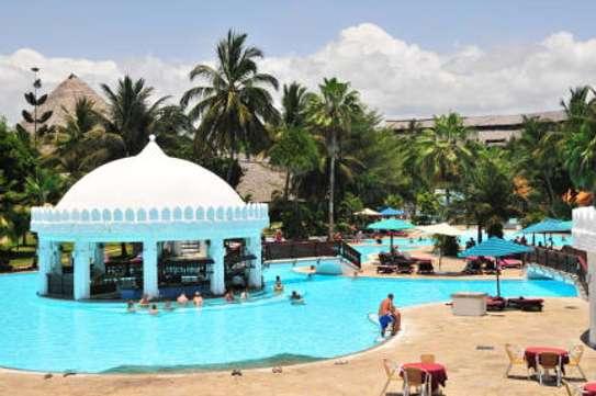 Southern Palm Beach Resort image 3