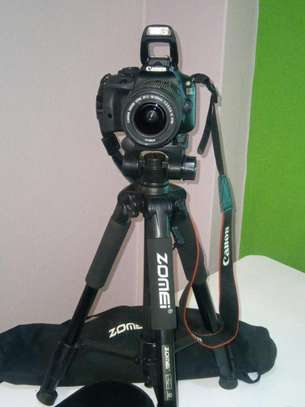 Canon 100d image 1