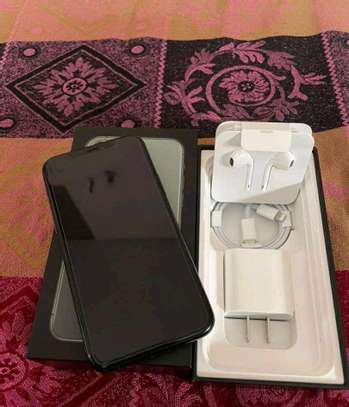 Apple Iphone 11 Pro Max Green 512 Gigabytes image 2