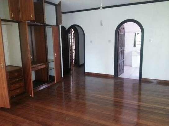 4 bedroom house for rent in Riverside image 9