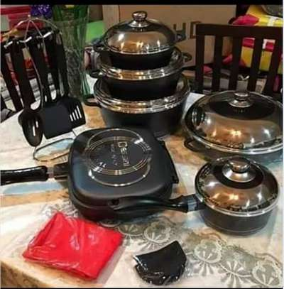 23pc Dessini non stick cookware