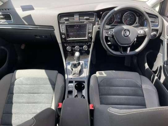 Volkswagen Golf image 11