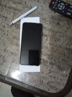 Used smartphone, looks new, no scratches, all accessories available. image 5