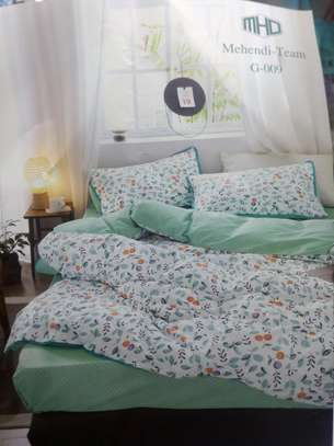 6*6. COTTON BINDED DUVETS WITH 1 BEDSHEET AND 2 PILLOW CASES image 4