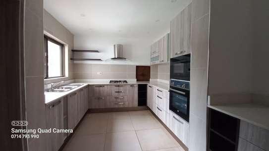 commercial property for rent in Parklands image 4