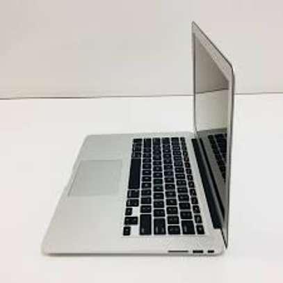 Macbook Air 2014 Core i5 8GB Ram 128GB SSD image 3