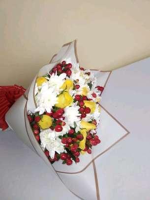 Fresh flower bouquets image 1
