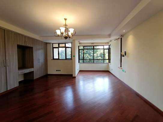 5 bedroom townhouse for rent in Lavington image 17