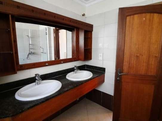 Furnished 5 bedroom house for rent in Lavington image 4