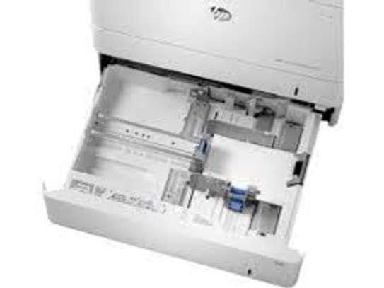 HP Color LaserJet Enterprise M553dn Printer image 1