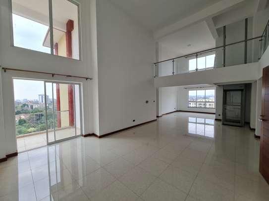 5 bedroom apartment for rent in General Mathenge image 1