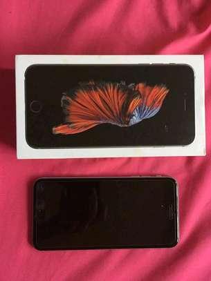 Apple Iphone 6s Plus The 128 Gigabytes Black Colour image 3