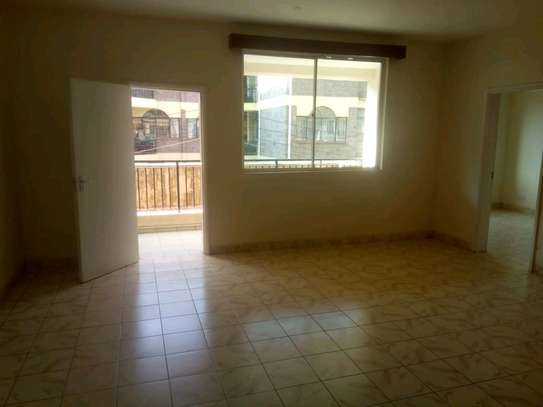 3 bedroom apartment available to let in Kilimani image 3