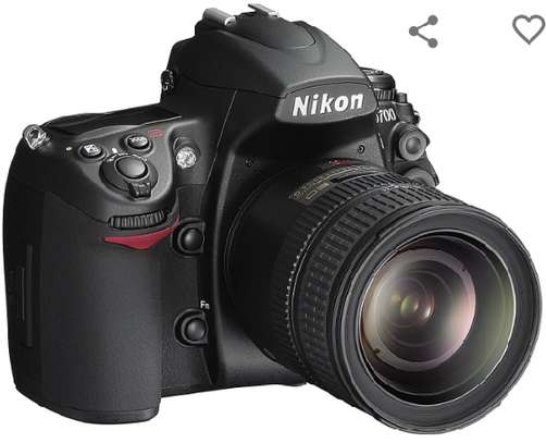 Nikon D700 12.1MP FX-Format CMOS Digital SLR Camera with 3.0-Inch LCD (Body Only) (OLD MODEL) image 4