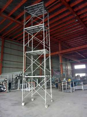 mobile scaffolding tower for hire image 2