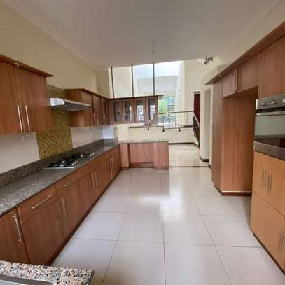 Apartment to let in Kilimani. 3bedroom, image 1
