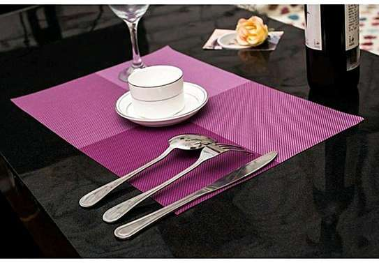 Table mat checked purple 1pc image 1