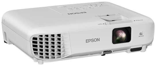 Epson EB-S05 Projector image 2