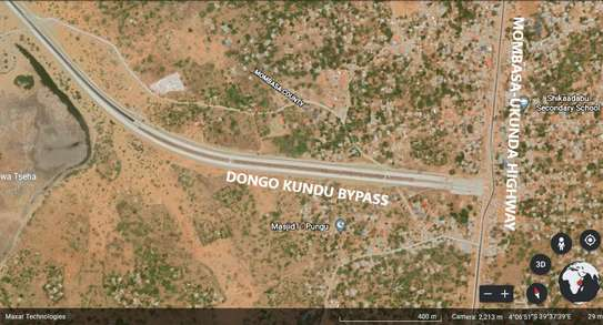 Commercial First Row Dongo Kundu Bypass Plot image 1
