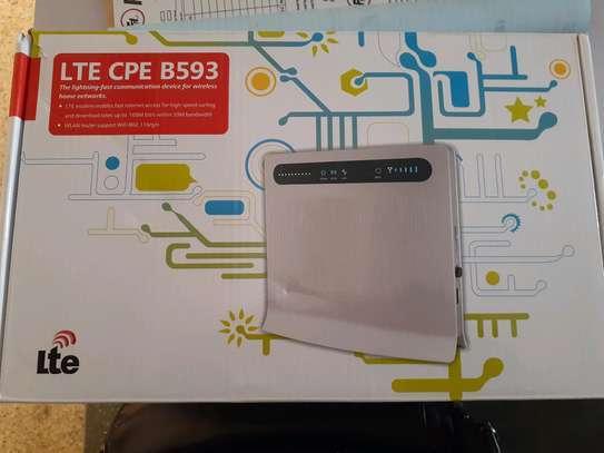 LTE -CPE B593 WIRELESS ROUTER image 1