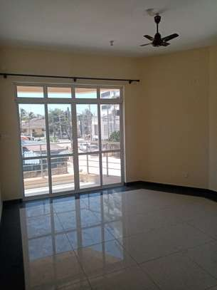 3br unfurnished apartment for rent in Nyali.Id AR17-Nyali image 7