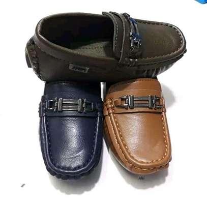 Kids lowfas/shoes image 3