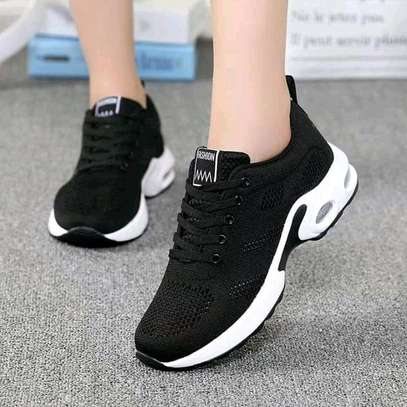 fashion sneakers image 2