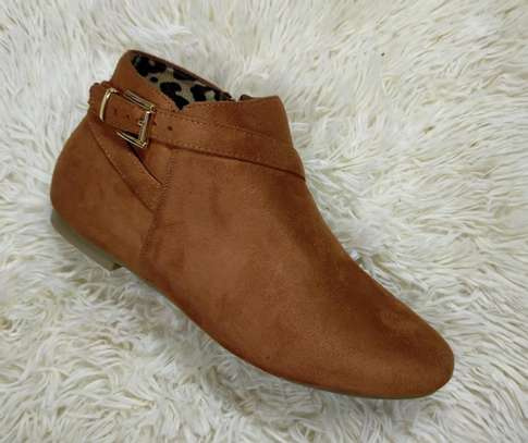 Flat suede Ankle boots image 6