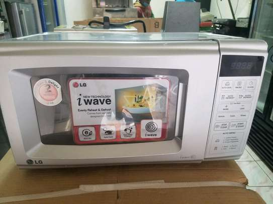 Microwave LG image 1