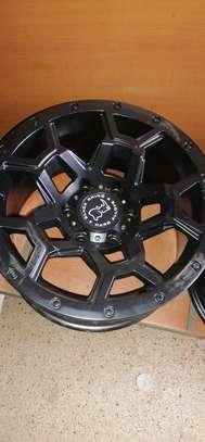 Size 17 Toyota Hilux rims image 7