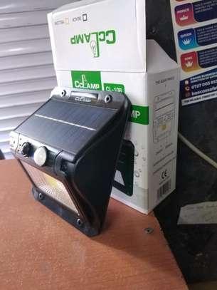 Motion sensor Outdoor solar lamp image 4